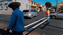 Transerp renova sinalização de solo em ruas recapeadas na Vila Tibério
